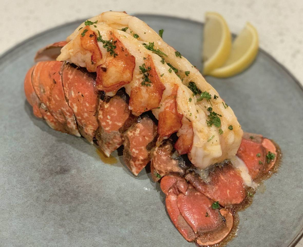 Cooked_Lobster_Tail.jpg